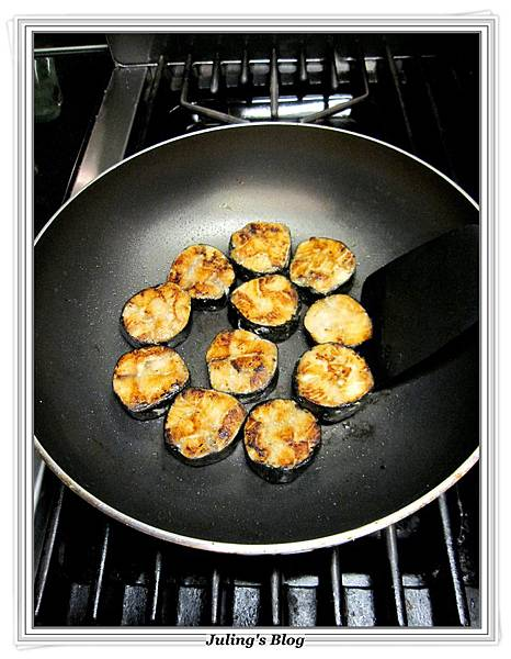 海苔鮭魚捲做法7.JPG