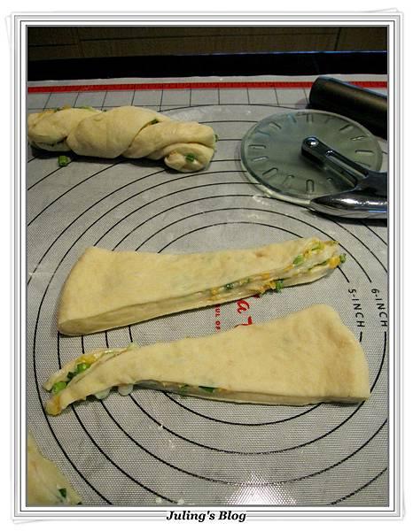 兩款超軟奶香麵包做法18.JPG