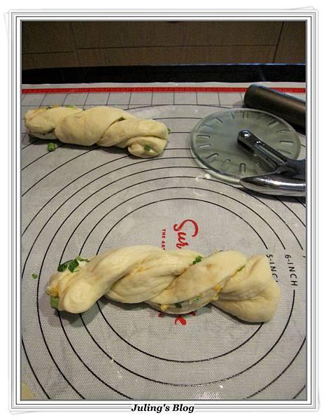兩款超軟奶香麵包做法19.JPG