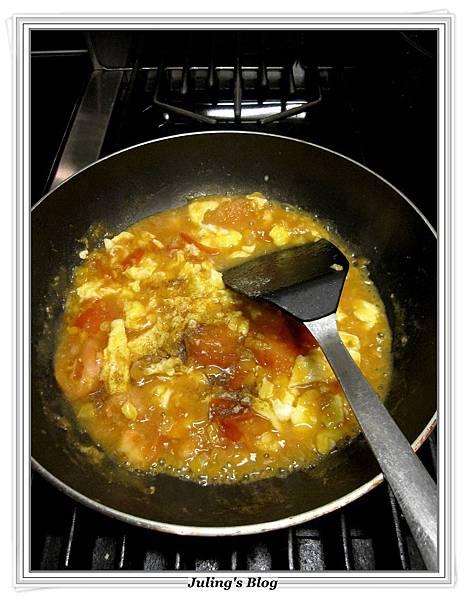 玉米醬炒蕃茄蛋做法8.JPG