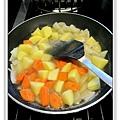 奶香洋芋燉牛腱做法6.JPG