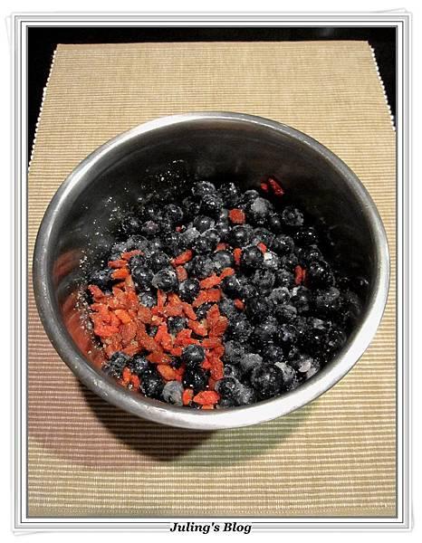 枸杞藍莓果醬做法2.JPG