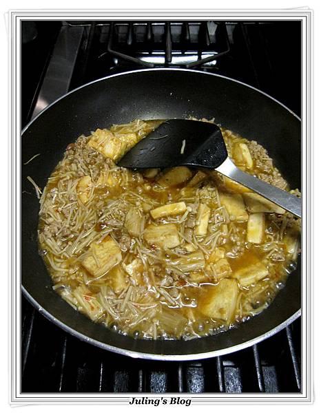 肉末金菇燒豆腐做法10.JPG