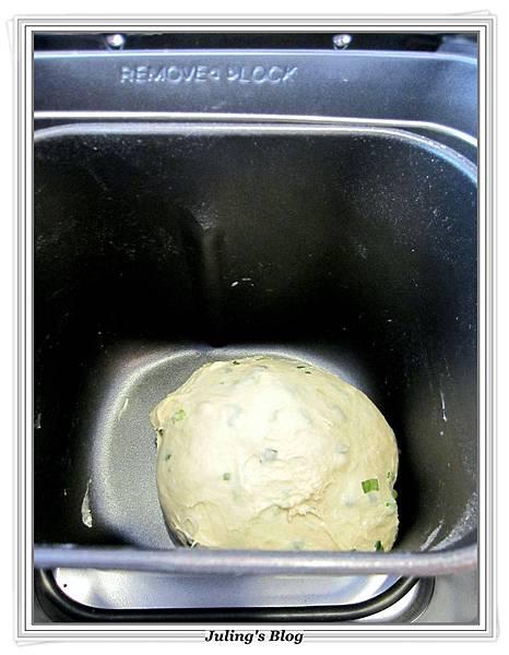 魚鬆蔥燒餅做法4.JPG
