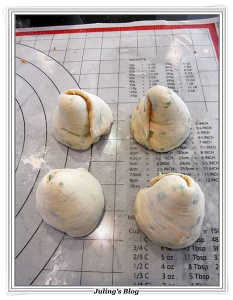 魚鬆蔥燒餅做法12.JPG