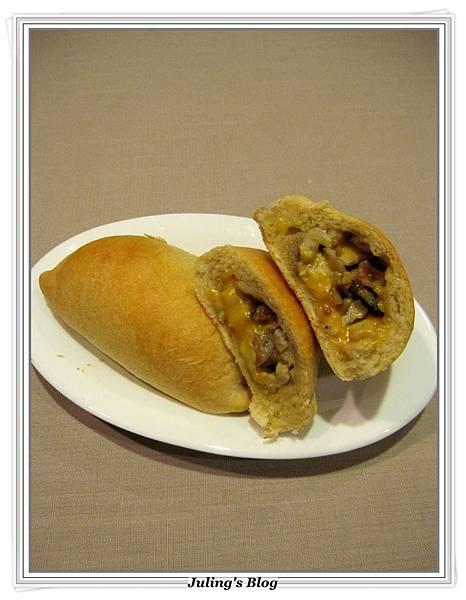 蘑菇培根蛋餡餅3.JPG