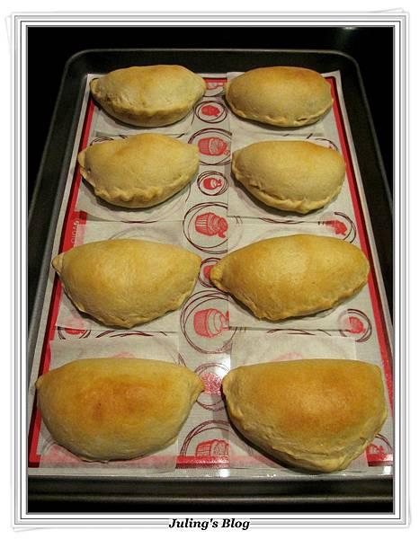 蘑菇培根蛋餡餅做法13.JPG