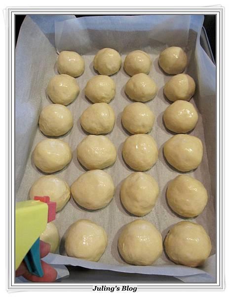 奶香酥粒麵包做法7.JPG