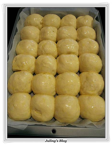 奶香酥粒麵包做法10.JPG