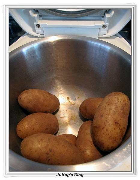 用電飯鍋烤馬鈴薯做法3.JPG