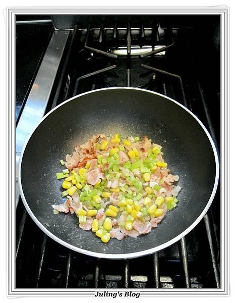 用電飯鍋烤馬鈴薯做法8.JPG