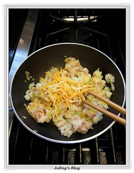 用電飯鍋烤馬鈴薯做法10.JPG