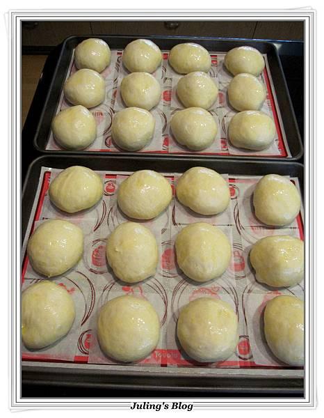 奶油乳酪奶酥麵包做法14.JPG