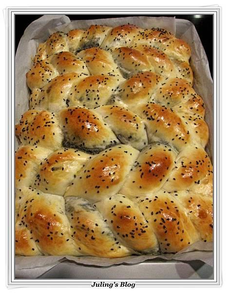 芝麻奶酥麵包做法16.JPG