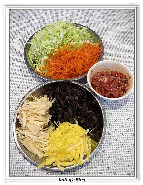 高麗菜炒五絲做法3.JPG
