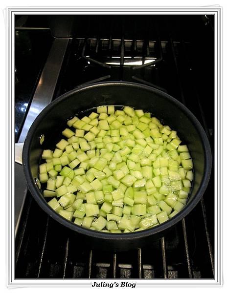 黃瓜鮮魚鬆做法1.JPG