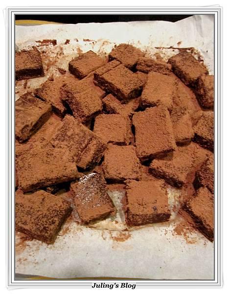 生巧克力蛋糕做法9.JPG