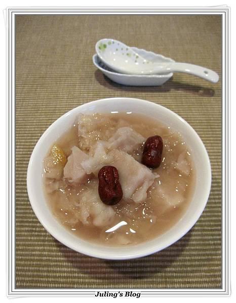 銀耳芋頭甜湯1.JPG