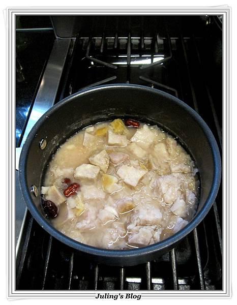 銀耳芋頭甜湯做法7.JPG