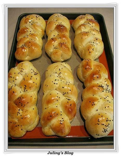 優格麻花辮麵包2.JPG