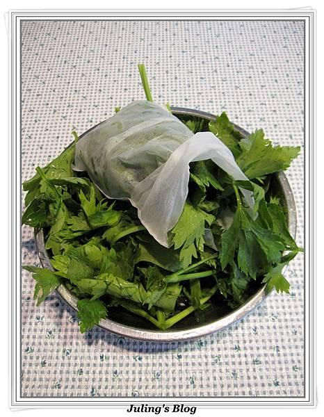 香魷蓮藕排骨湯做法7.jpg