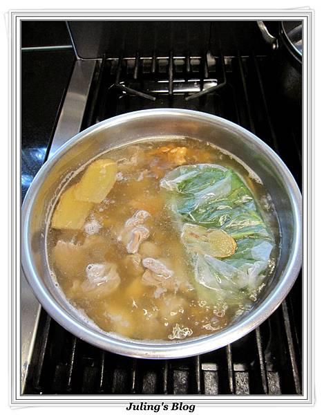 香魷蓮藕排骨湯做法9.jpg