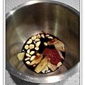 用電飯鍋做蒜香蜜汁雞做法1.jpg