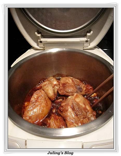 用電飯鍋做蒜香蜜汁雞做法4.jpg