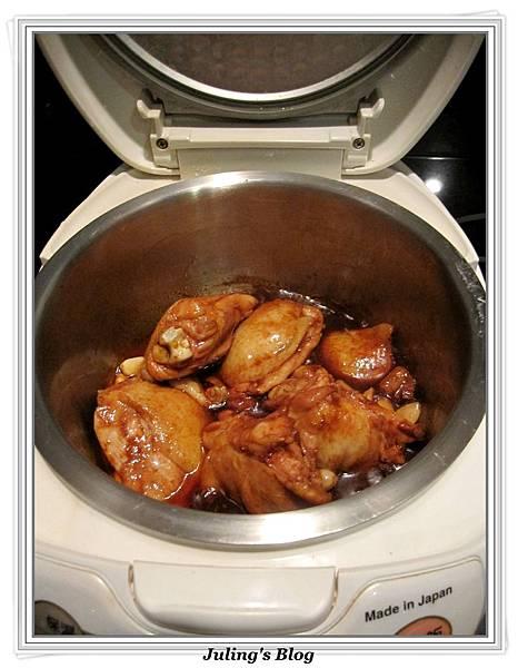 用電飯鍋做蒜香蜜汁雞做法5.jpg