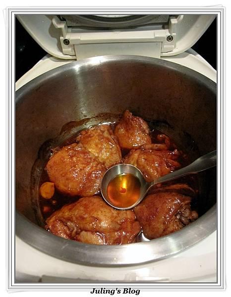用電飯鍋做蒜香蜜汁雞做法6.jpg