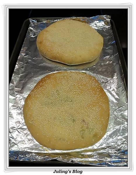 芝麻香蔥大餅做法17.jpg