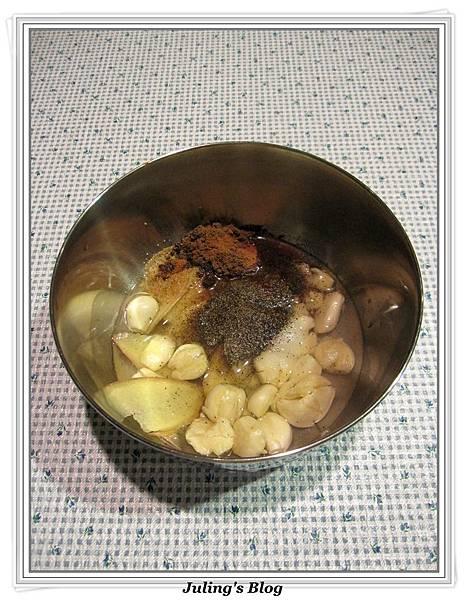 用電飯鍋做鹹豬肉做法1.jpg
