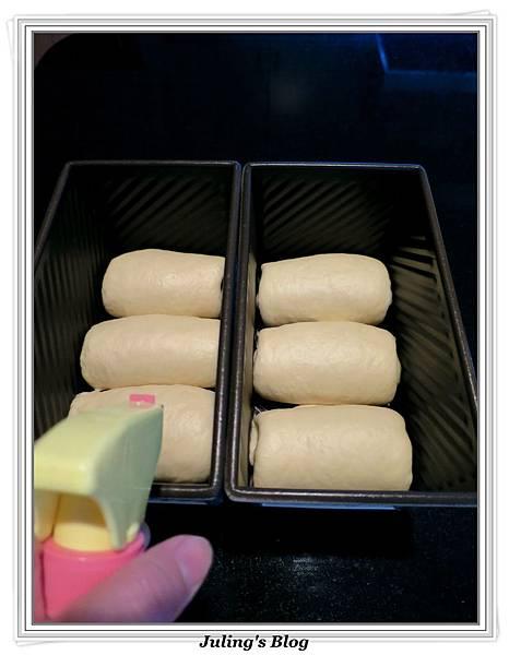 超軟糯米粉土司做法9.jpg