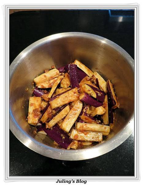 用電飯鍋做魚香茄子做法3.jpg