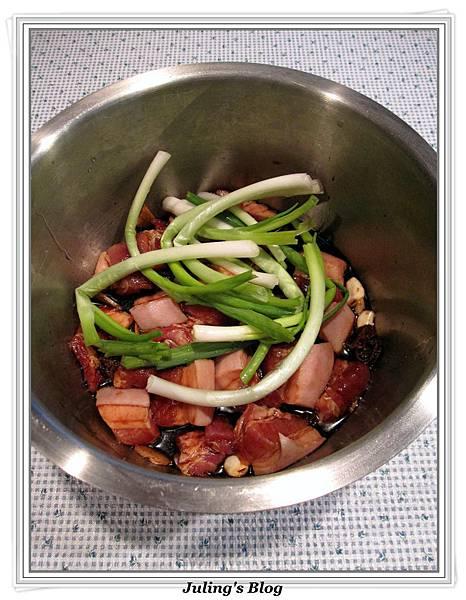 用電飯鍋做話梅紅燒肉做法3.jpg