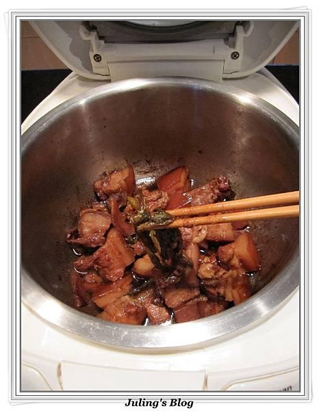 用電飯鍋做話梅紅燒肉做法7.jpg