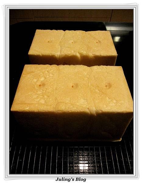 蛋白鮮奶土司做法11.jpg