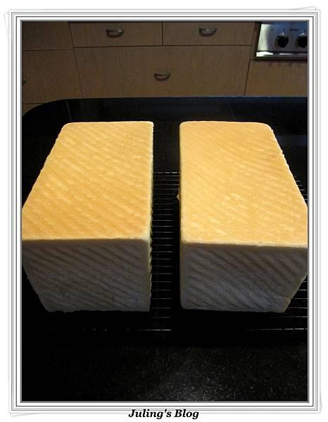 蛋黃鮮奶土司做法12.jpg