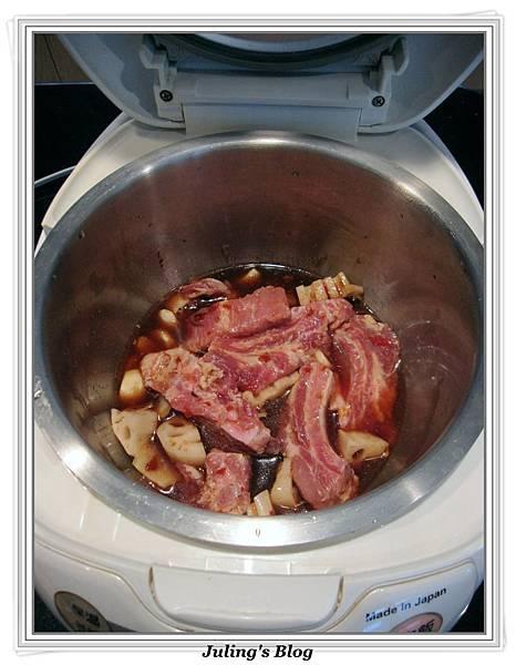 用電飯鍋煮蓮藕排骨做法2.jpg