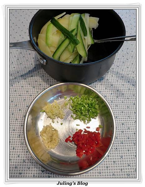 涼拌薯片做法6