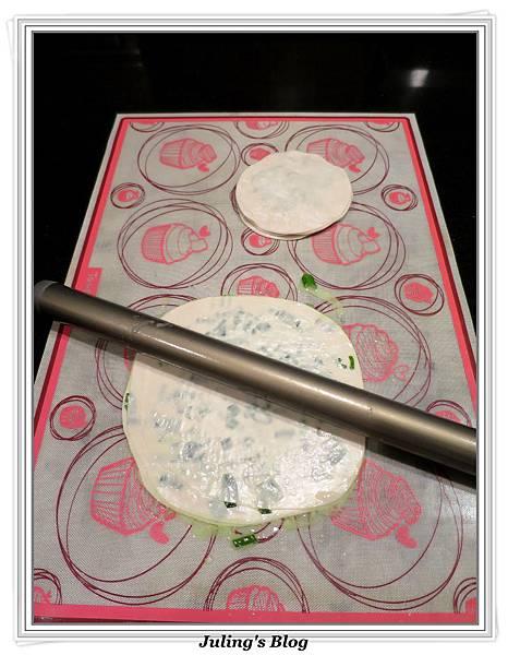 水餃皮蔥油餅做法5.JPG