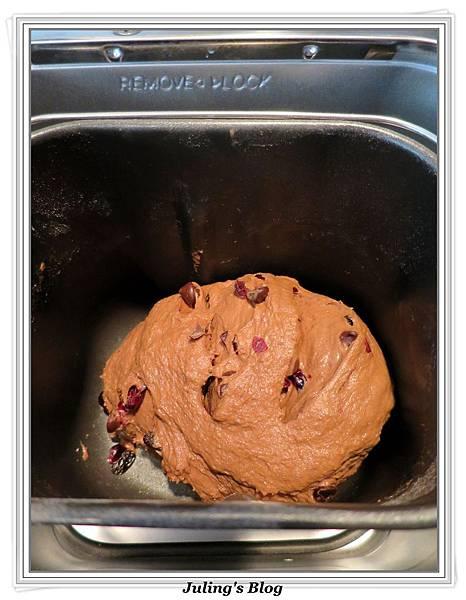 巧克力蔓越莓麵包做法4.JPG