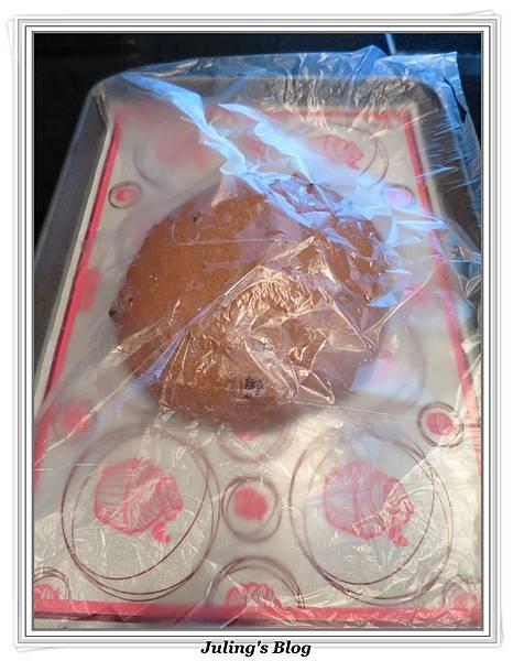 巧克力蔓越莓麵包做法6.JPG