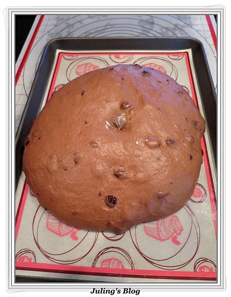 巧克力蔓越莓麵包做法7.JPG