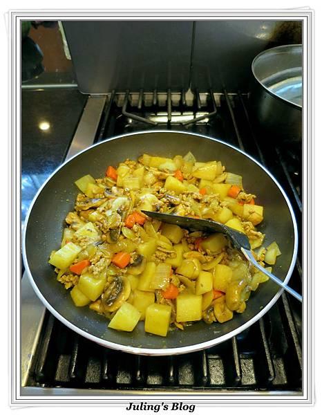 咖哩洋芋燉飯做法5.jpg