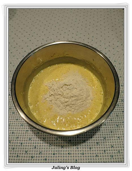 無油蜂蜜煉乳蛋糕做法5.JPG