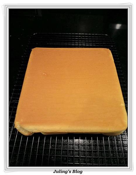 無油蜂蜜煉乳蛋糕做法10.JPG