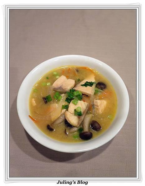 鮭魚味噌湯1.JPG