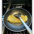 金菇煎蛋做法4.JPG