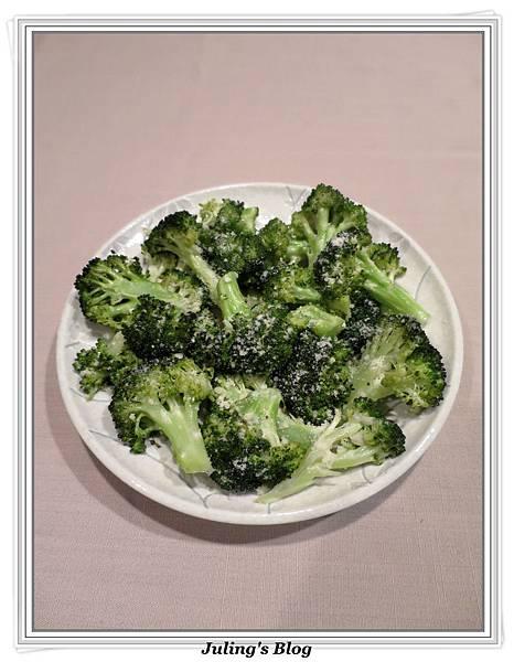 烤蒜香花椰菜1.JPG